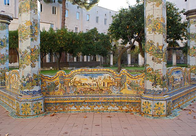 chiostro maiolicato Basilica di S.Chiara - Itinerario Napoli Barocca