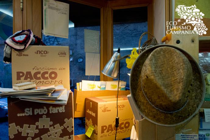 I pacchi anticamorra con prodotti biologici (ph Gianfranco Adduci)