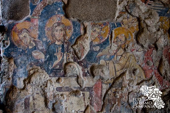 Affresco con Eucarestia, Basilica Paleocristiana di San Felice, Cimitile (ph Gianfranco Adduci)