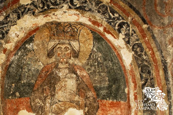 Affresco con la Maddalena Incoronata presso la Basilica dei SS Martiri, Cimitile (ph Gianfranco Adduci)