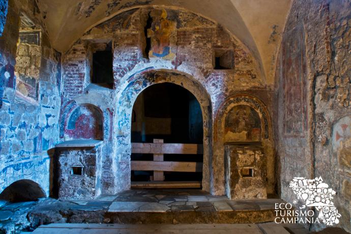 Interno della Basilica Paleocristiana dei SS Martiri, Cimitile (ph Gianfranco Adduci)