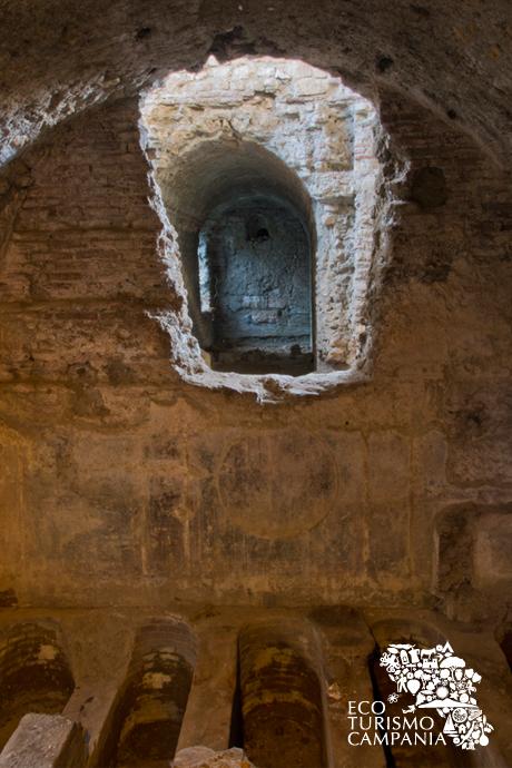 Le Catacombe presso la Cappella dei SS. Martiri, Cimitile (ph Gianfranco Adduci)