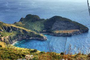 La Baia di Ieranto, nell'Area Marina Protetta di Punta Campanella (foto da http://www.amicibaiaieranto.com)