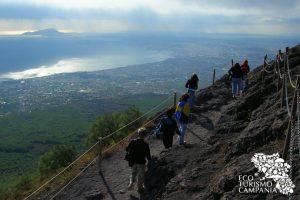 Trekking sul Vesuvio, panorama del golfo di Napoli (ph Gianfranco Adduci)