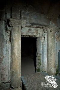 Antichità romane all'interno delle Basiliche Palecristiane di Cimitile (ph Gianfranco Adduci)