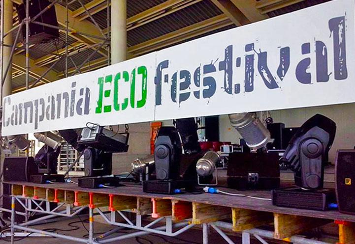 Il palco del Campania ECO Festival presso l'isola ecologica Fosso Imperatore di Nocera Inferiore