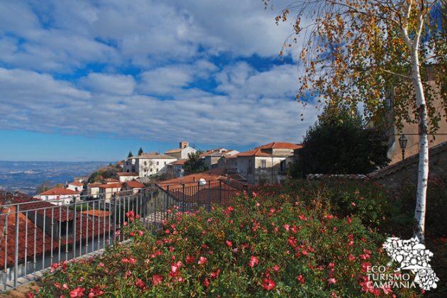 Panorama del borgo di Montefusco lato ovest (ph Gianfranco Adduci)