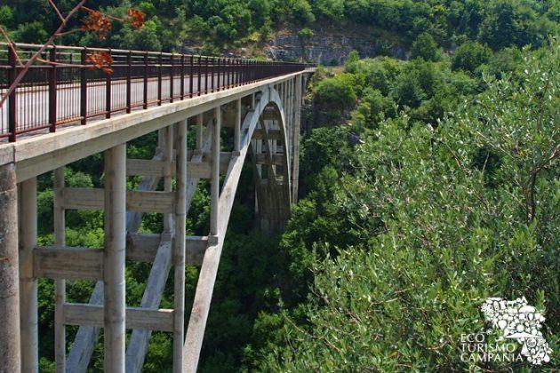 Il Ponte di Sacco sulla Valle del Sammaro (ph Gianfranco Adduci)