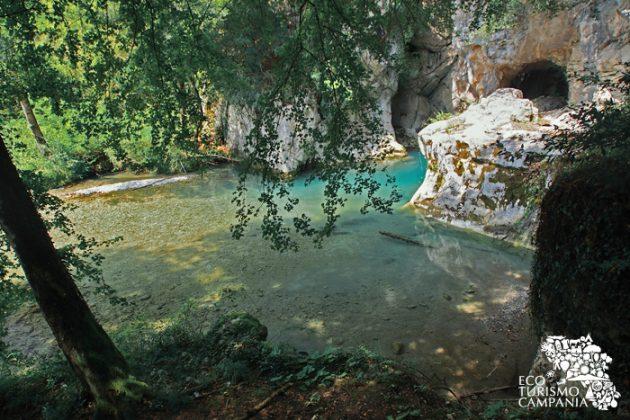 Il laghetto presso le sorgenti del Sammaro (ph Gianfranco Adduci)