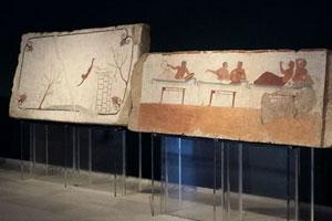 La sala della Tomba del Tuffatore nel Museo Archeologico di Paestum