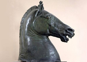 La testa di Cavallo, opera di Donatello, esposta al MANN