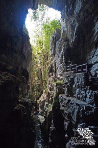L'uscita delle Grotte del Bussento nell'Oasi WWF di Morigerati (ph Gianfranco Adduci)