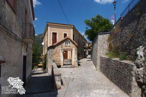 Vicoli del borgo di Morigerati (ph Gianfranco Adduci)