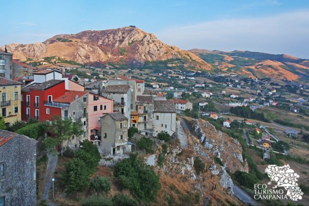 Panorama su Caggiano nuova (ph Gianfranco Adduci)
