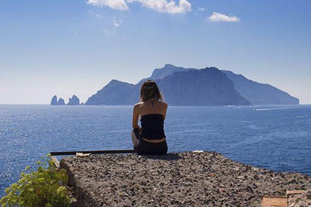 Panorama di Capri da Punta Campanella (foto di Cartotrekking)
