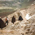 A compagnia re 'u caso sui sentieri della transumanza del Monte Cervati