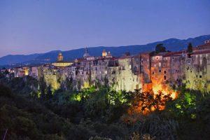 Panorama notturno di Sant'Agata de' Goti