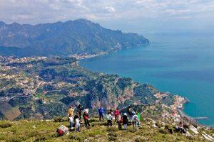 Panorama della Costiera Amalfitana dall'Alta via dei Monti Lattari