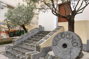 Murales nel borgo di Valogno