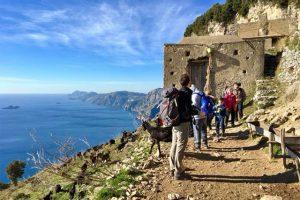 Trekking d'inverno sul Sentiero degli Dei