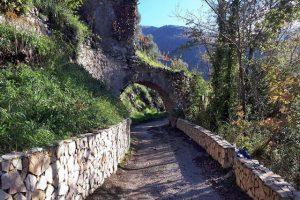 Sentiero per la Valle dell'Imbuto a Gragnano