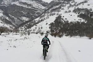 In Mountain Bike sulla neve del Matese