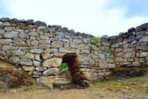 porta megalitica ovest di Trebula Balliensis