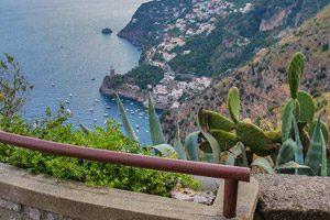 Panorama dal Sentiero dell'Agave in Fiore, in Costiera Amalfitana