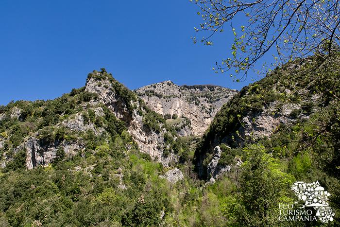 Cime dei monti di Scala nel Parco Regionale dei Monti Lattari (ph Gianfranco Adduci)