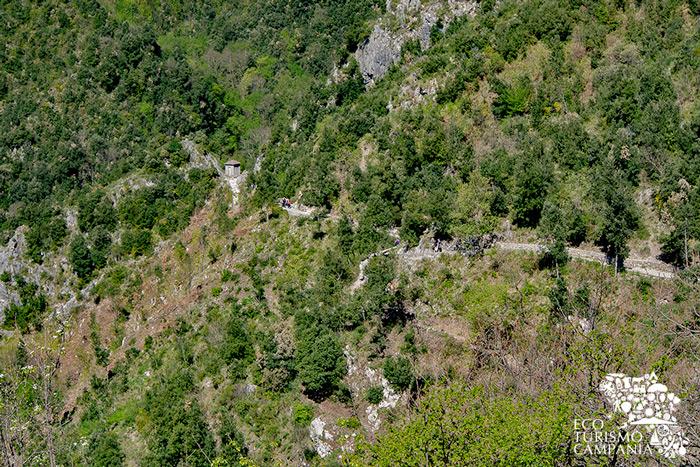 Percorso da Pontone alla Valle delle Ferriere (ph Gianfranco Adduci)