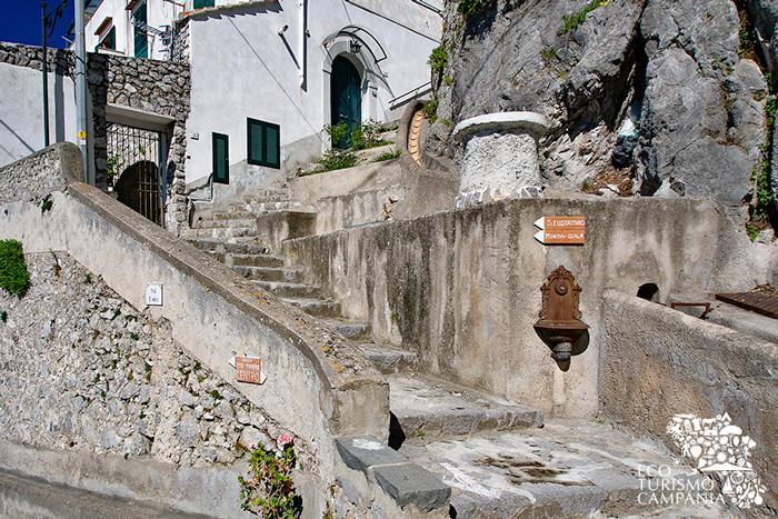 Borgo di Pontone nel territorio di Scala, in Costiera Amalfitana (ph Gianfranco Adduci)