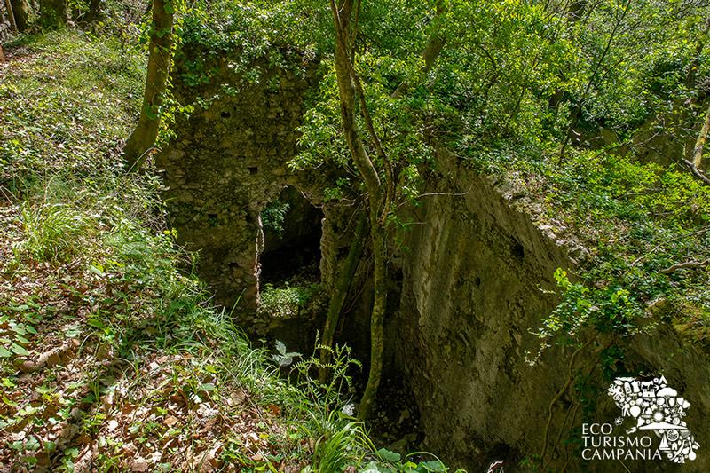 Ruderi della grande Ferriera di Amalfi (ph Gianfranco Adduci)